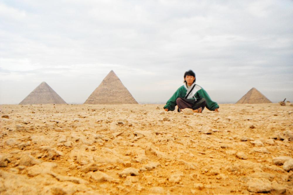 エジプト・カイロの観光スポット|ギザの三大ピラミッドで記念写真