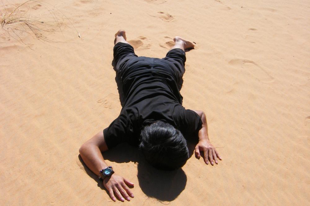 モロッコ・メルズーガのサハラ砂漠ラクダツアー(瀕死状態)の写真