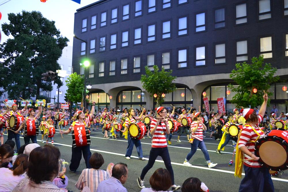 岩手|盛岡さんさ踊りパレード(ウォーリーの衣装)の写真