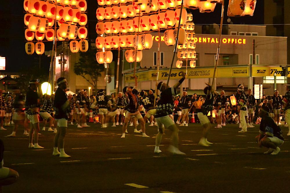 秋田竿燈まつり|夜本番・演技(達人の妙技)の写真