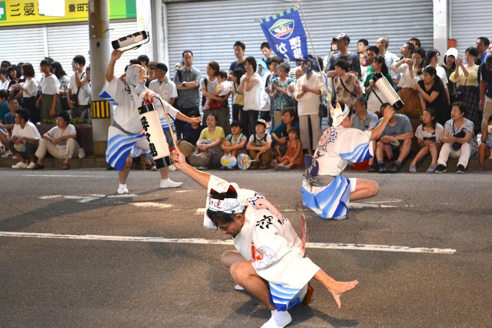徳島県鳴門阿波おどり(男踊り・提灯)の写真
