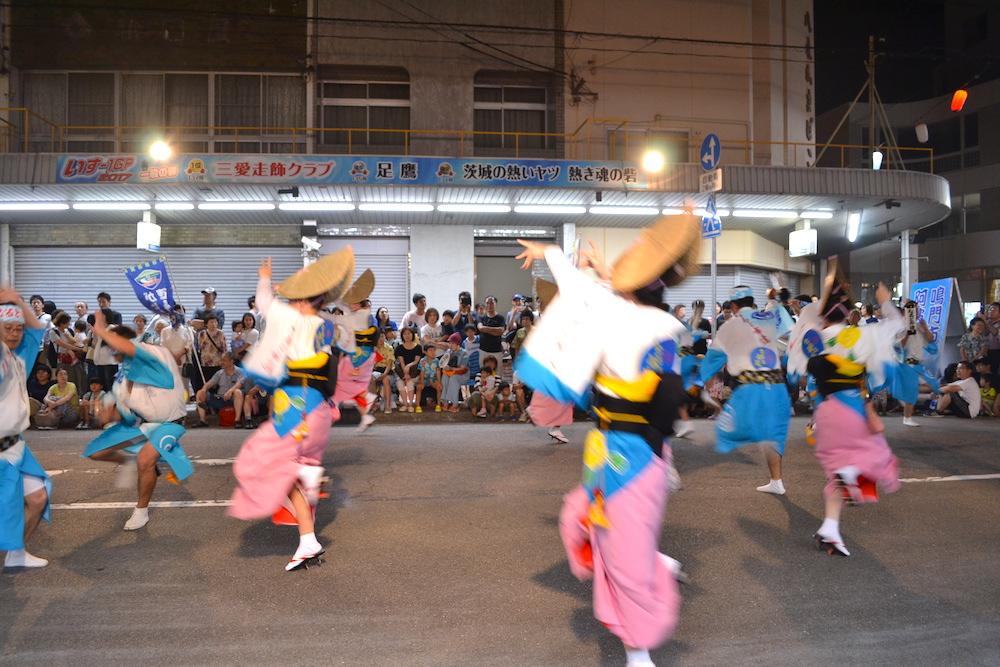 徳島県鳴門阿波おどりの輪踊り(女性)の写真