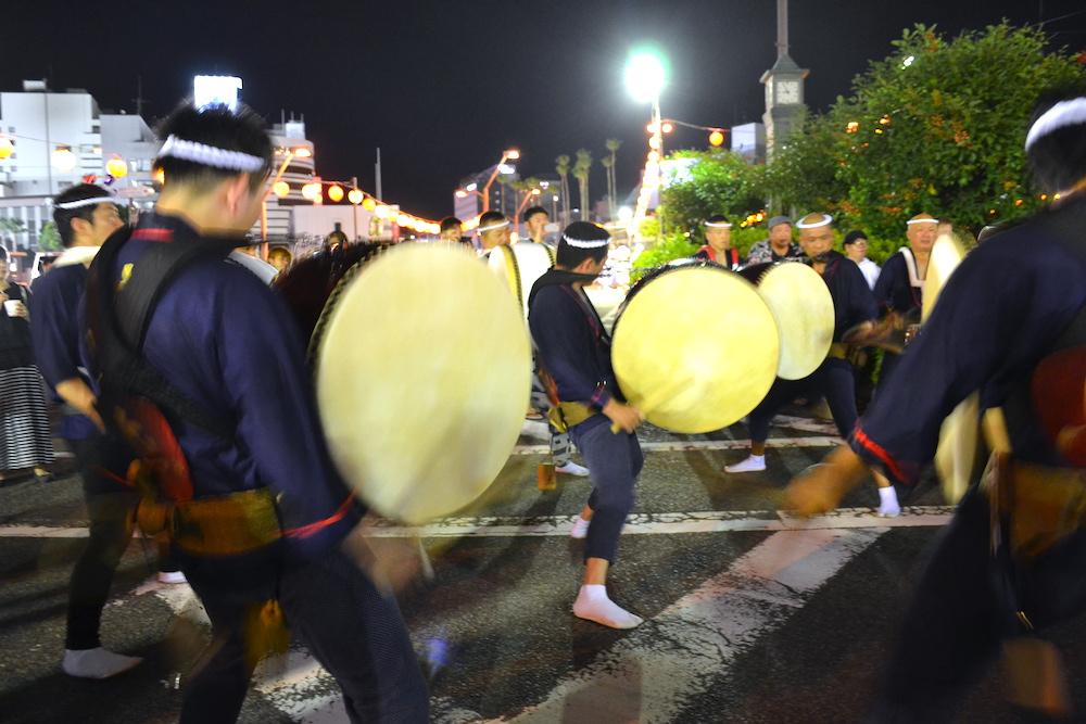 徳島阿波おどりの輪踊り(太鼓隊)の写真