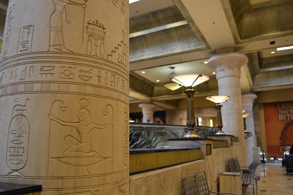ルクソールの柱の写真