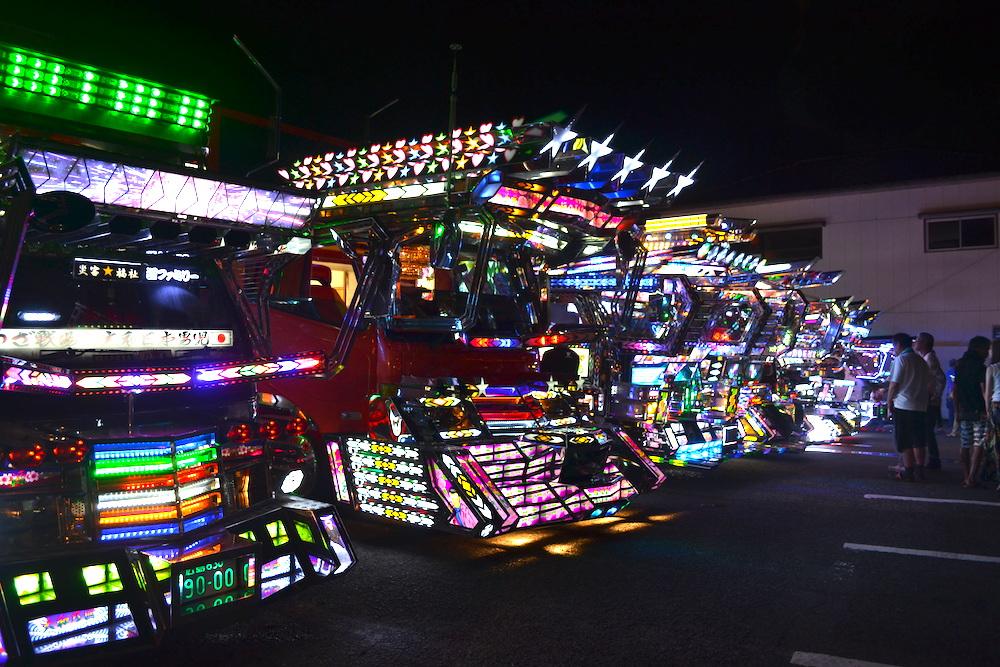 長崎県佐世保市江迎千灯籠まつり(光るデコレーショントラック)の写真