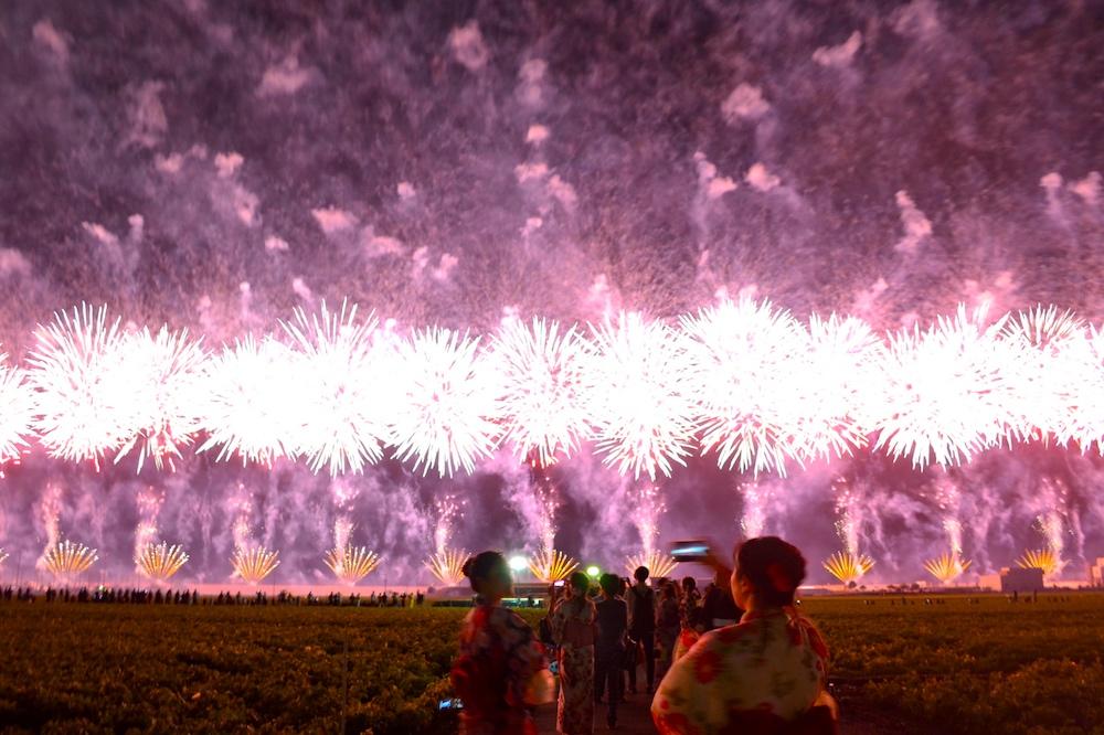 福岡県柳川市・有明海花火フェスタ2018(横幅2kmの花火スカイナイアガラ)の写真