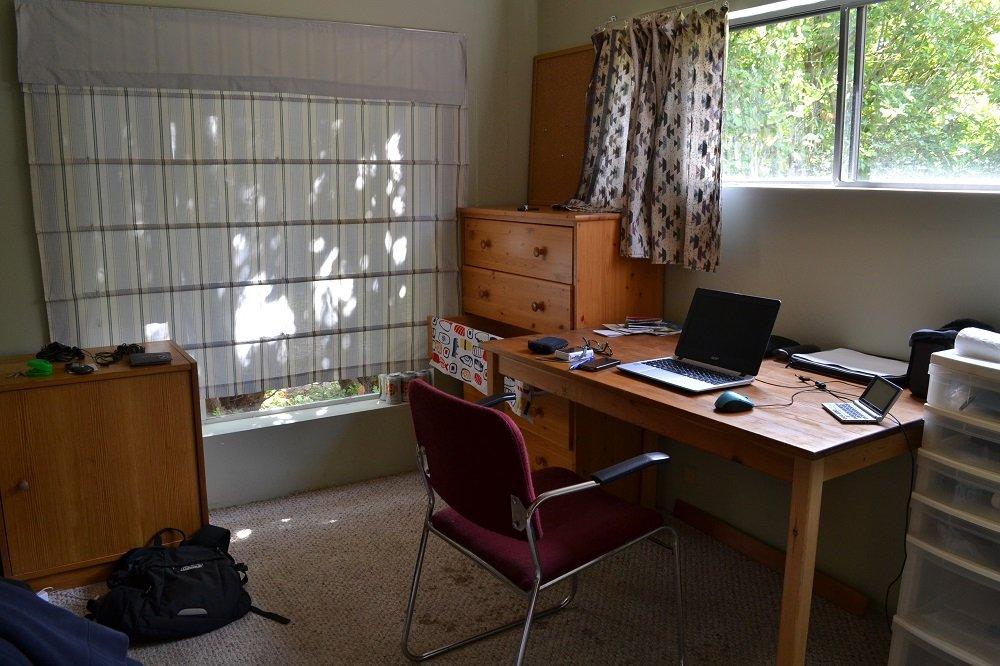 ヴィクトリアの勉強机の写真