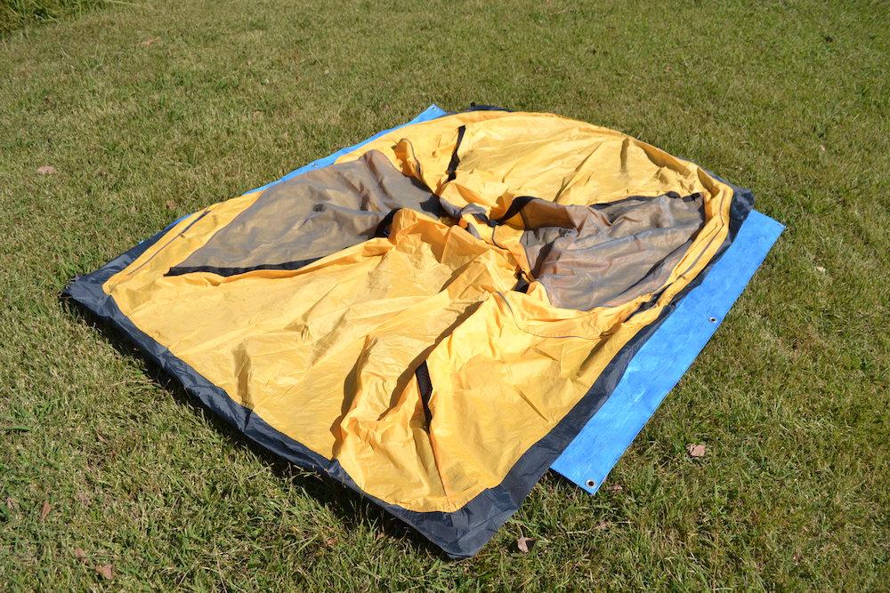 GeerTop2人用テントの貼り方(本体を広げる)の写真