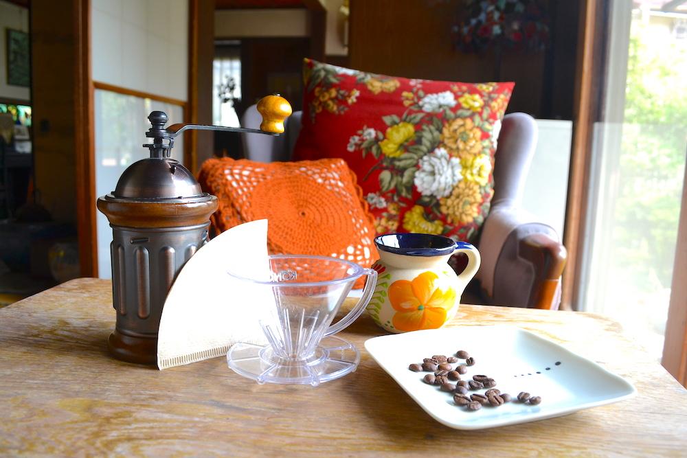 コーヒーのペーパードリップセットの写真