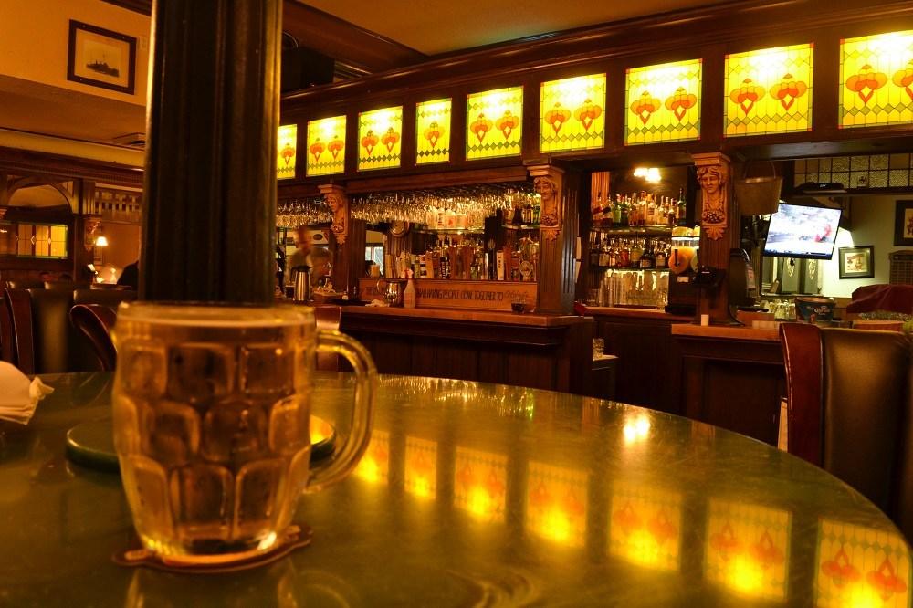 Sim Mile Pubのラガービールの写真