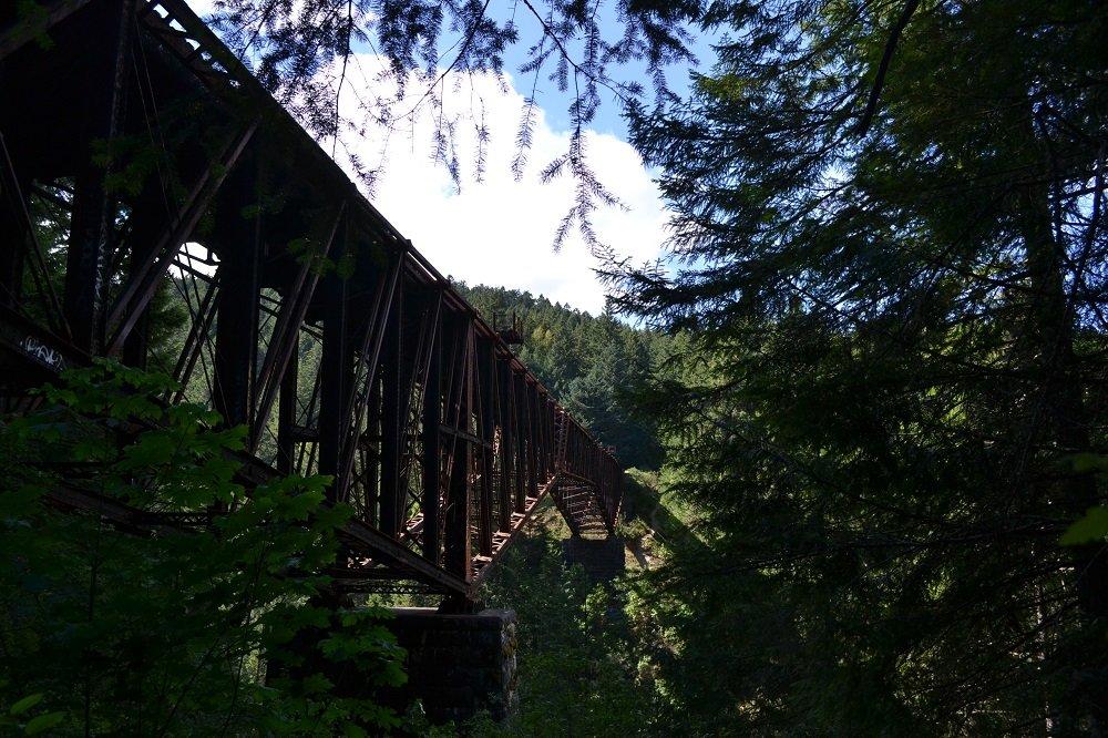 Goldstream Provincial Parkの鉄橋の写真