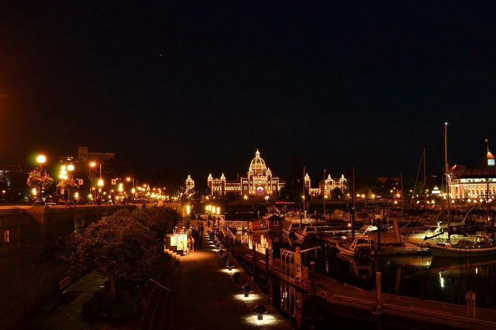 ビクトリア州議事堂ライトアップの写真