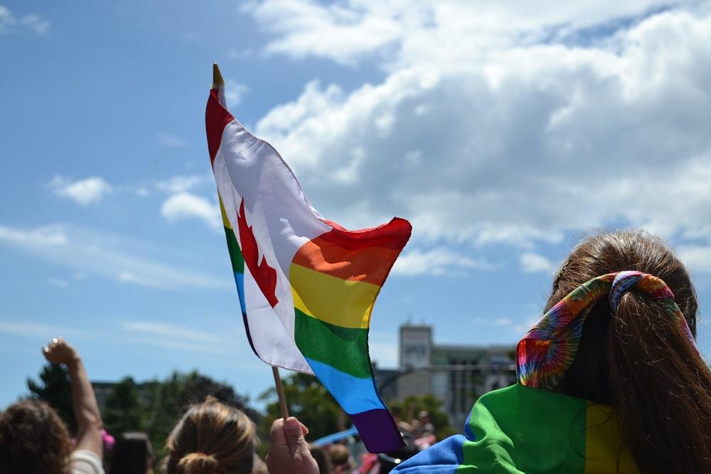 pride paradeの旗の写真