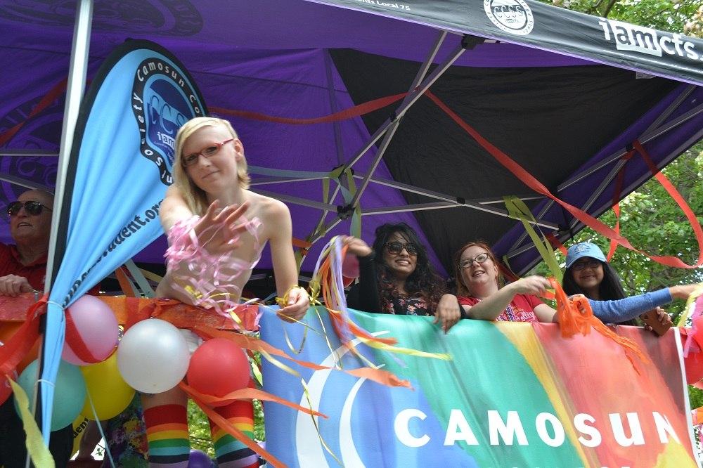 pride paradeのお姉さんの写真