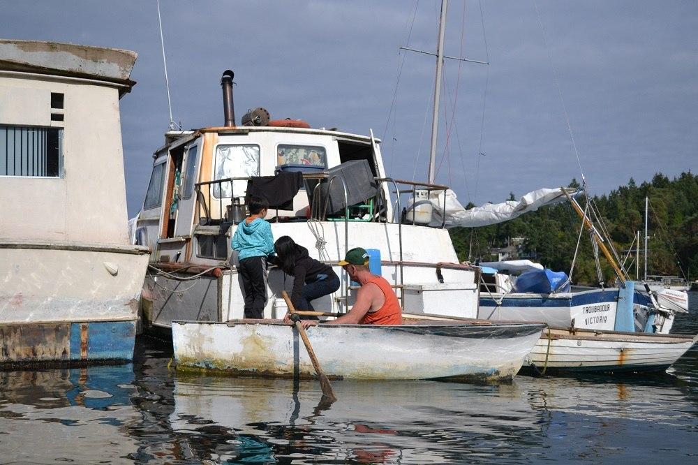 ウィルさんの船兼家の写真