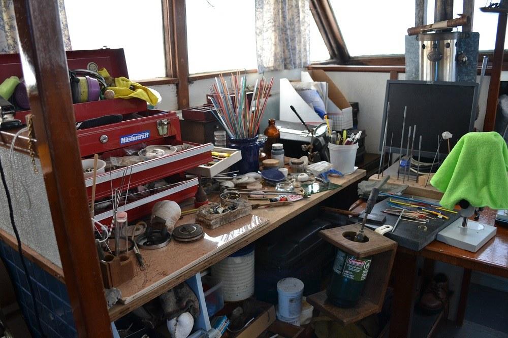 船の中の工作室の写真