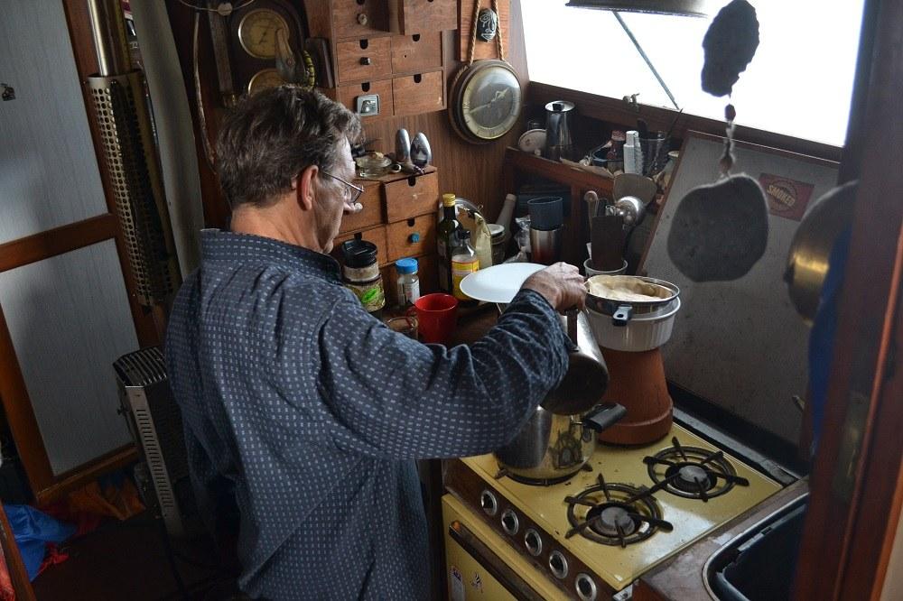船の中のキッチンの写真