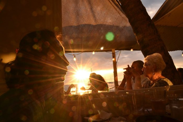 マウイ島HONUレストランからのサンセットの写真