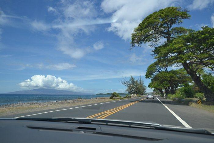 マウイ島の道路の写真