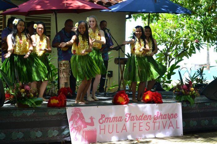 ハワイフラダンスショーの写真