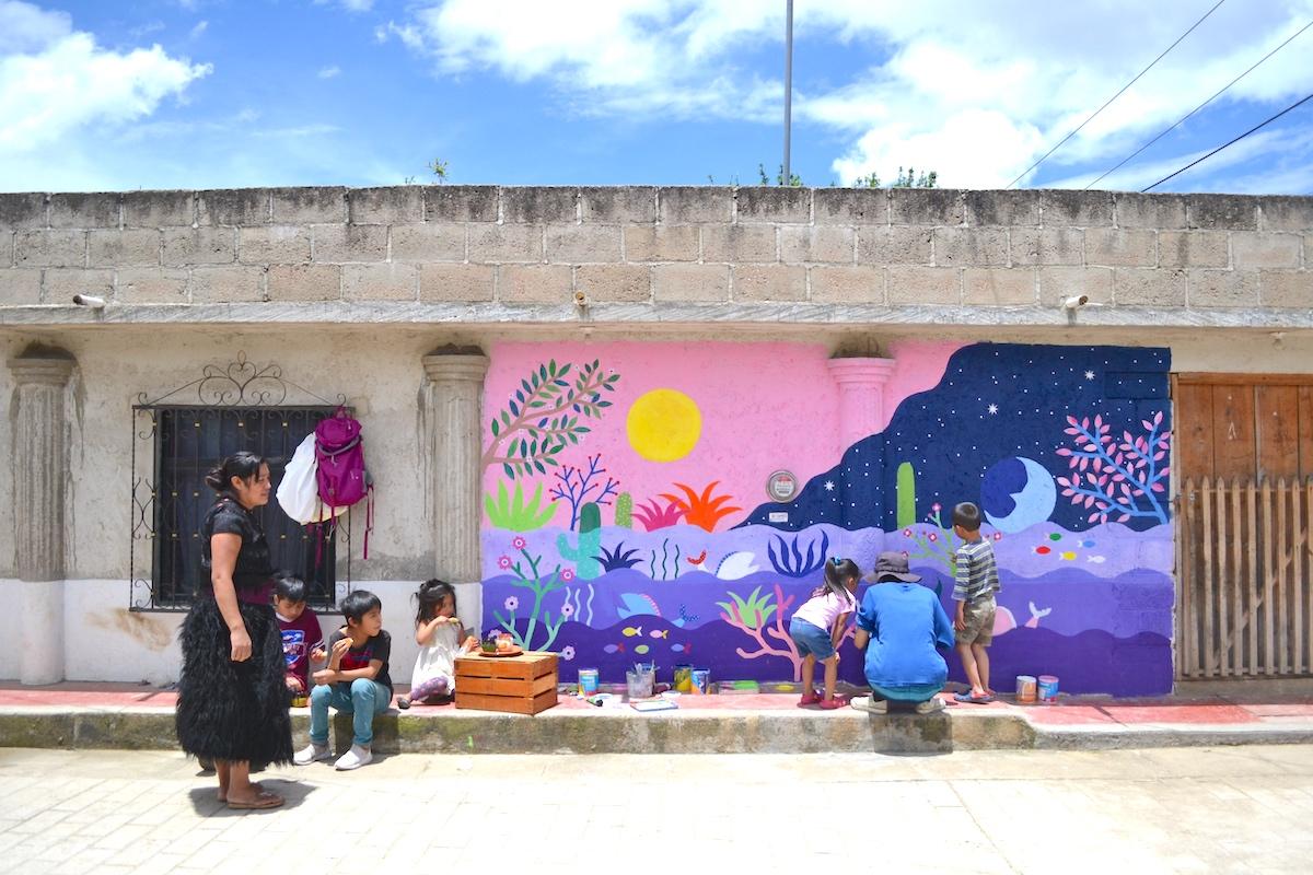 河野ルル|メキシコで壁画制作(憩いの場所)の写真