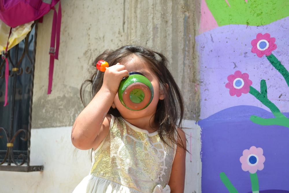 メキシコ|地元の子供とCafe 心笑のチョコラテの写真