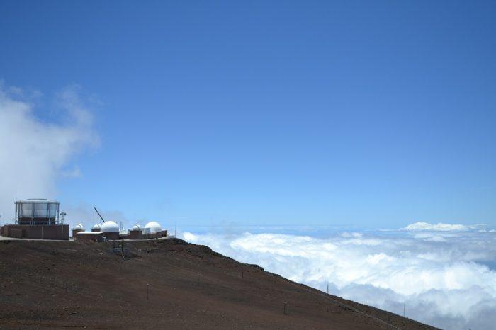 ハレアカラ山頂の惑星観測基地の写真
