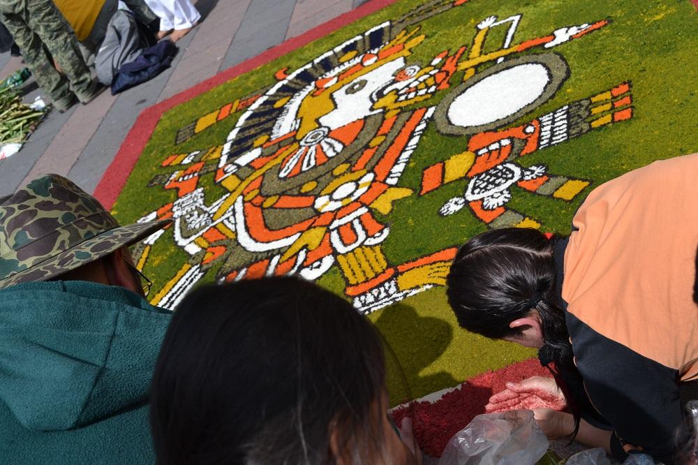 メキシコシティで見かけたアステカ(?)アートの写真