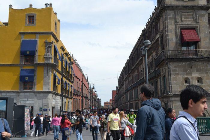 メキシコシティソカロ周辺の通りの写真