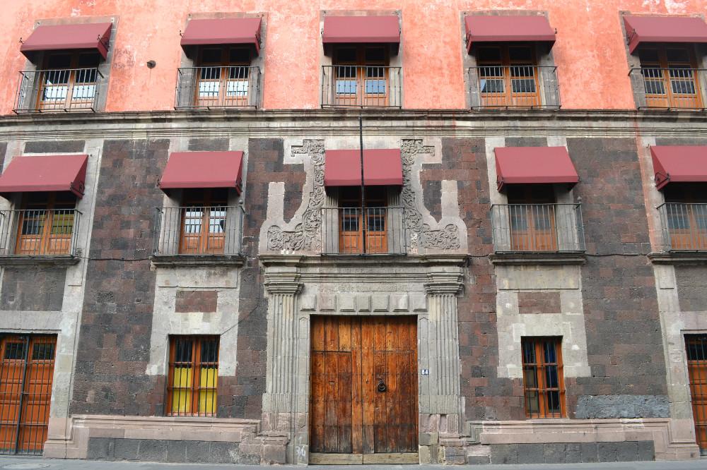 メキシコシティの綺麗な建物の写真