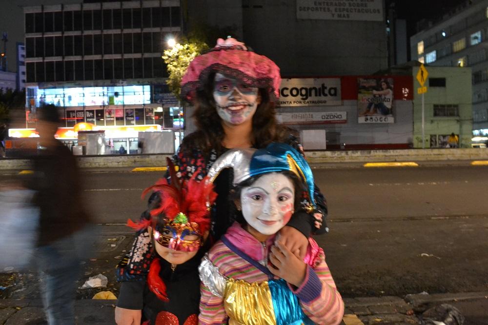 メキシコシティのハロウィンの仮装の写真