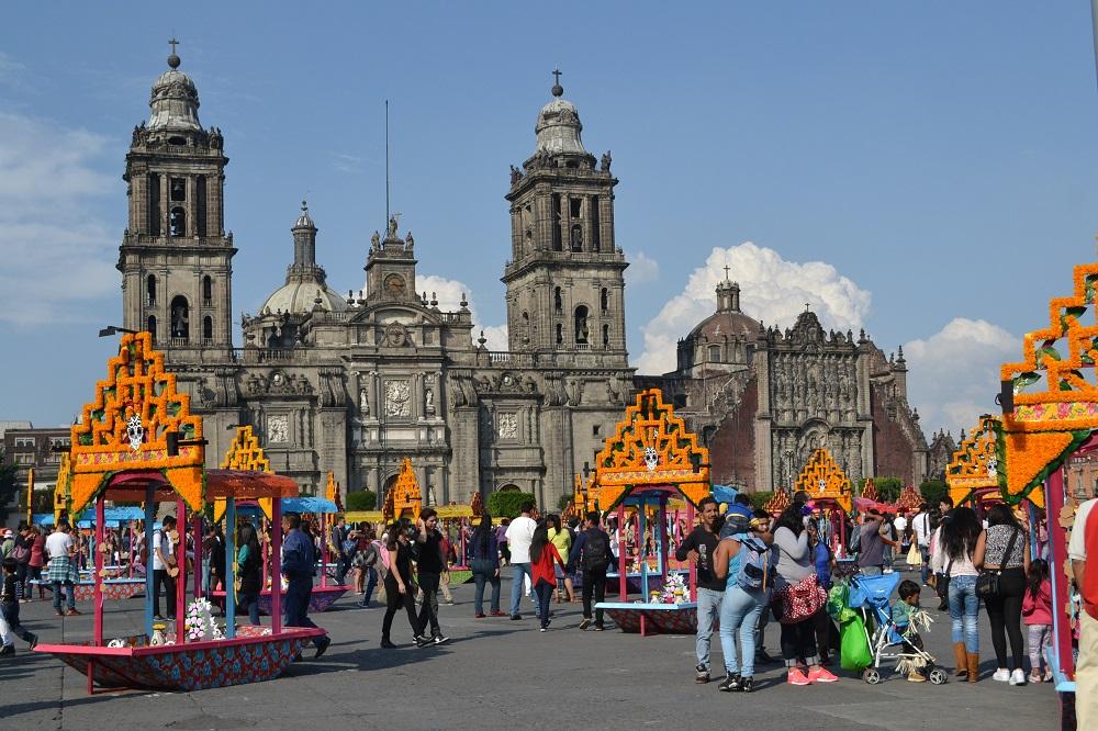 死者の日のメキシコシティソカロの写真