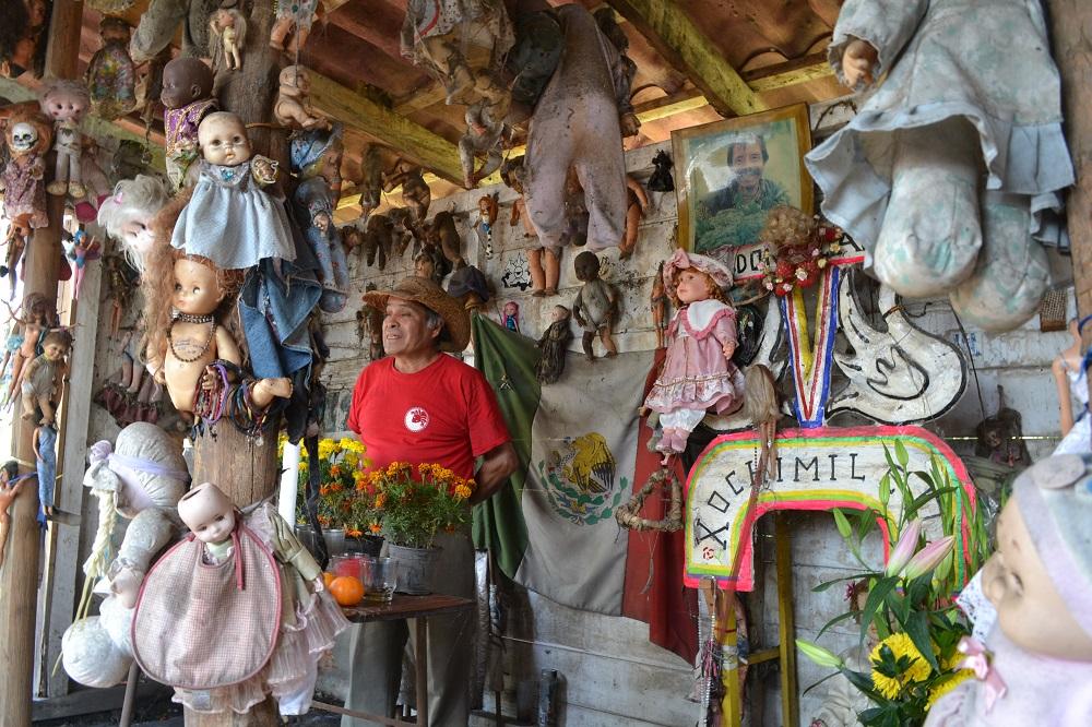 ソチミルコ人形島のツアーガイドの写真