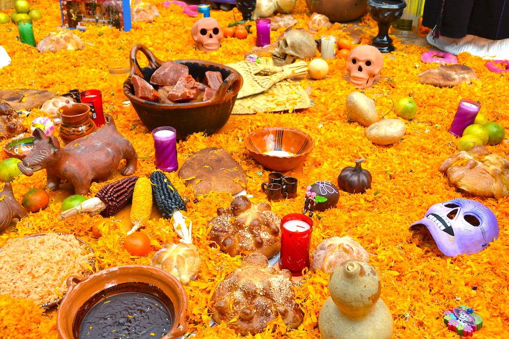 メキシコシティサンアンヘルのオフレンダ(お供え)2の写真
