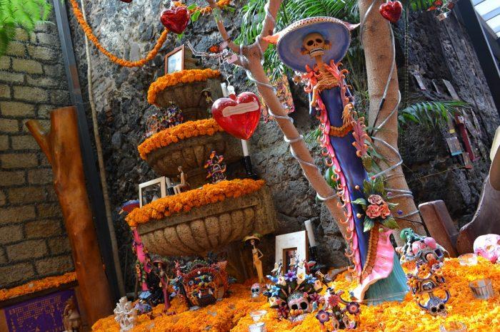 メキシコシティサンアンヘルのオフレンダの写真