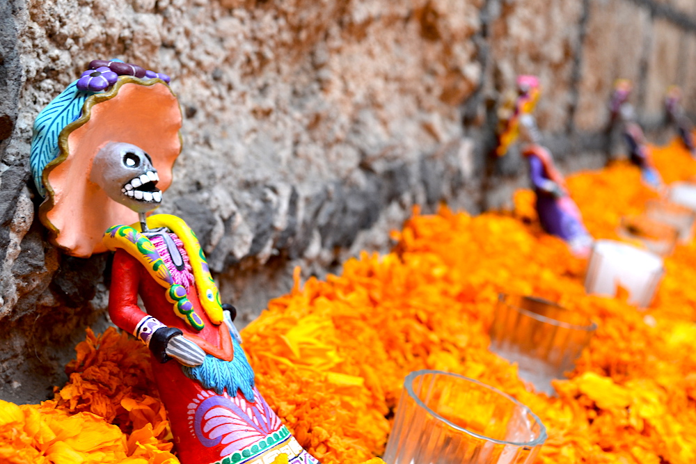メキシコのオフレンダのマリーゴールドの写真
