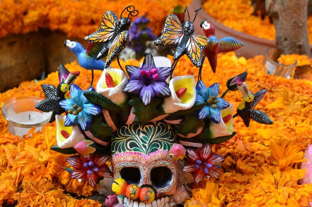 死者の日のお洒落なドクロ(花)の写真