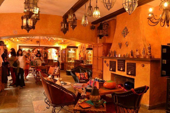 メキシコシティサンアンヘルの家具屋の写真