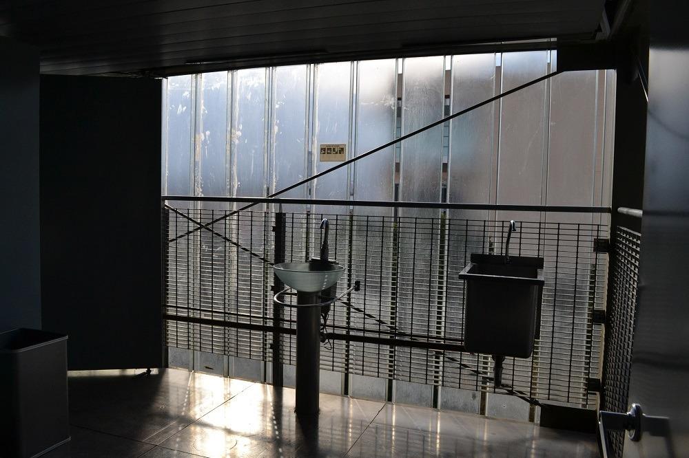 メキシコシティの図書館のトイレの写真