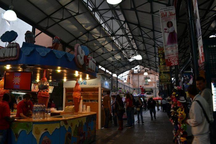 プエブラのビクトリア市場の中の写真