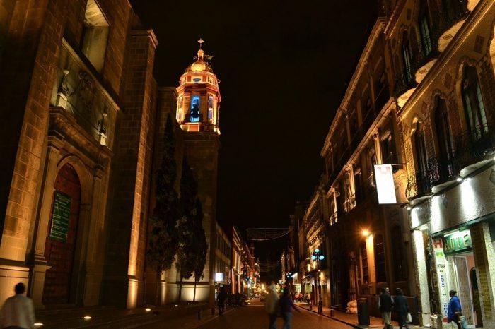 プエブラ歴史地区の夜景3の写真