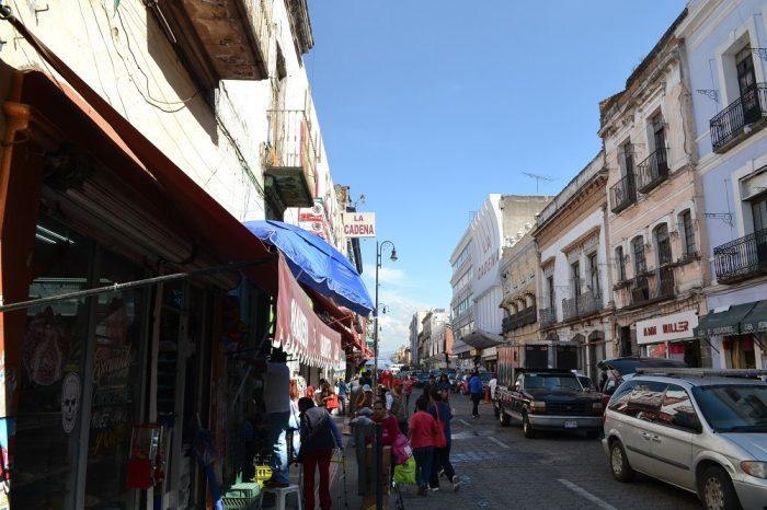メキシコプエブラの町並み(店舗)2の写真