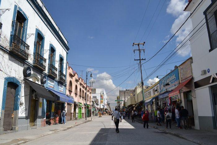 メキシコプエブラの町はずれ1の写真