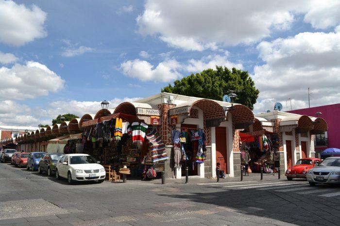 メキシコプエブラのお土産市場の写真
