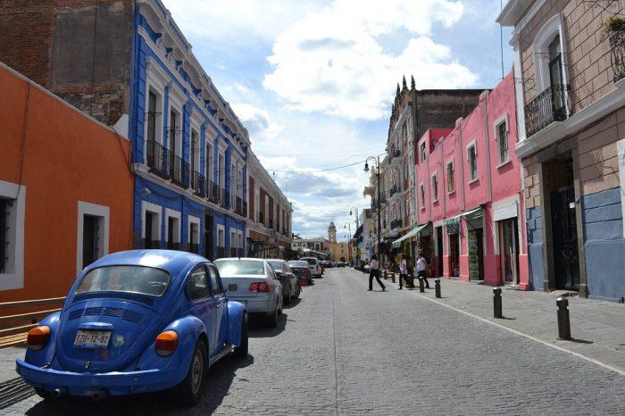 メキシコプエブラのお洒落な町並み3の写真