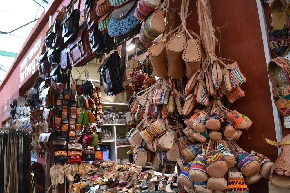 オアハカの革製品市場の写真