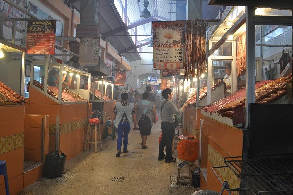オアハカの炭焼きお肉市場の写真