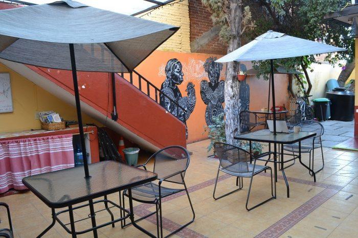 メキシコ・オアハカの安宿Pochonの共有スペースの写真