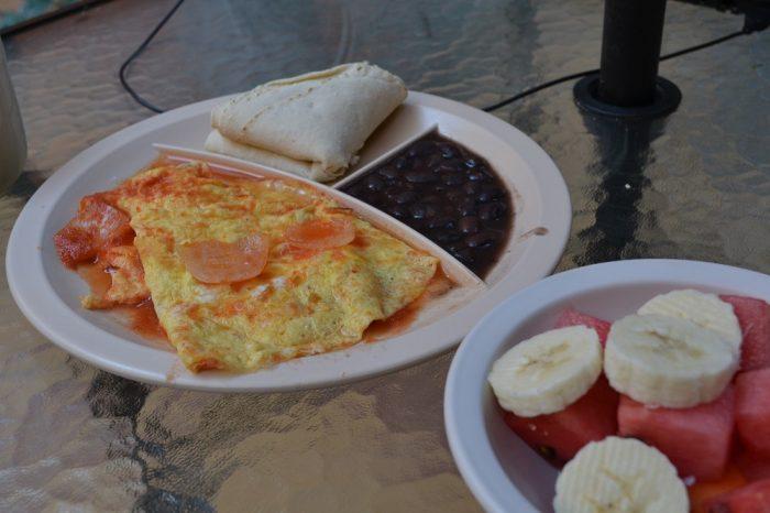 メキシコ・オアハカの安宿Pochonの朝食の写真