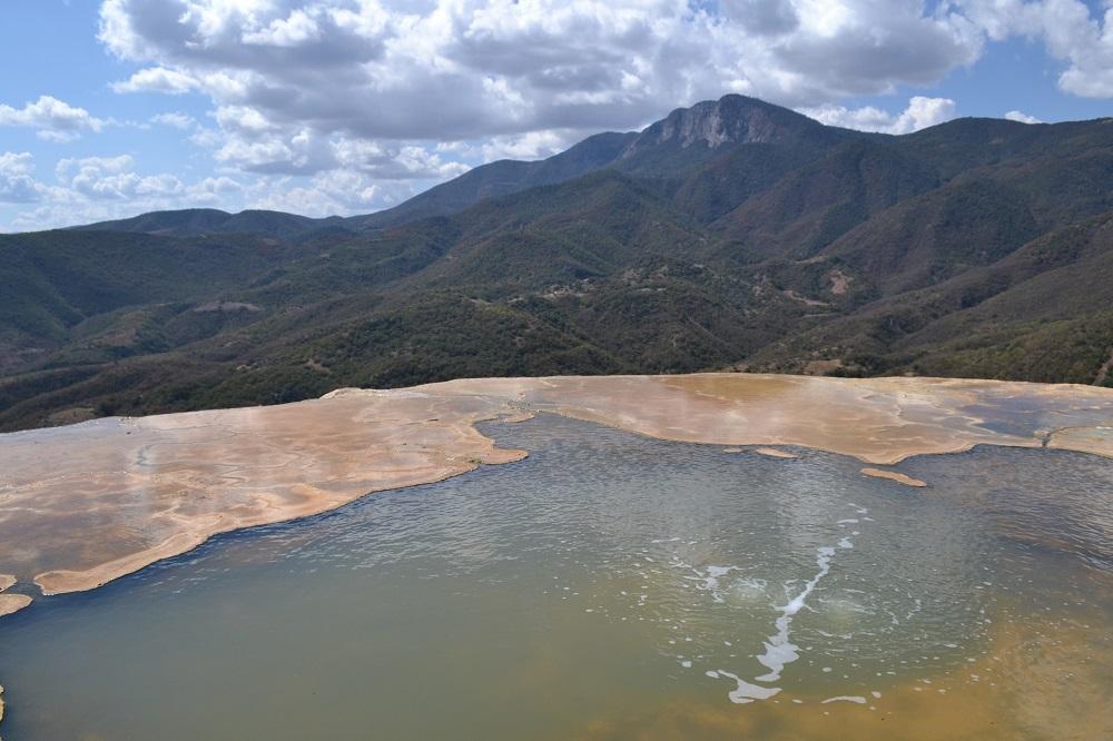 イエルベ・エル・アグア石の滝湧き水の写真